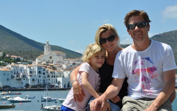 Andrew Yeoland ('87) pictured with his wife Rachael and daughter Lily.