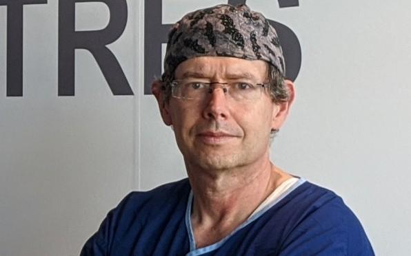 Dr Chris Ryan